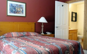 Cornerstone Lodge Fernie – Bedroom