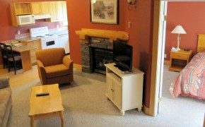 Cornerstone Lodge Fernie – Living Room