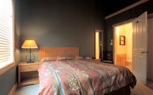 Cornerstone Lodge Fernie - Bedroom